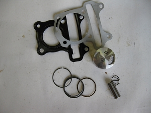 Piston, rings and gaskets for GY6 150cc engine